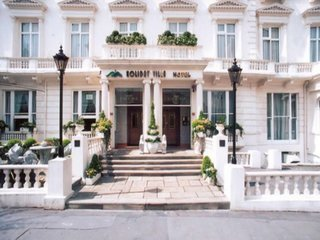 Holiday Villa Hotel & Suites