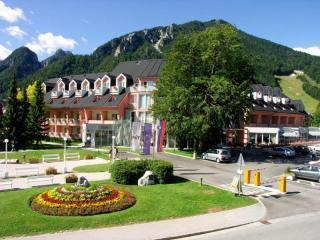 Ramada Hotel and Suites Kranjska Gora (ex: Prisank)