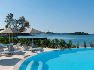 Resort Amarin Rooms (ex: Resort Amarin Hotel)