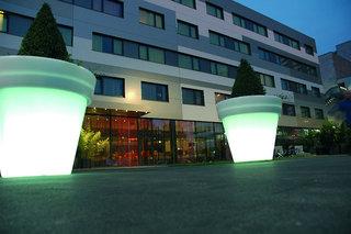 Roomz Hotel Vienna Gasometer