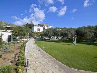 Coriva Beach Hotel & Bungalows