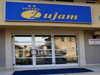 Dujam Hotel