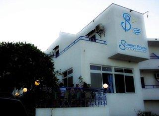 Summer Breeze Hotel