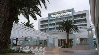 Cronwell Resort Sermilia