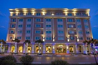 Latanya Palm Hotel