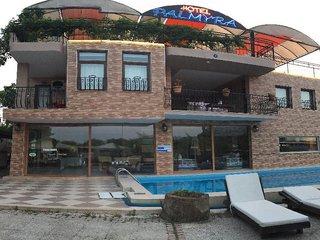 Palmyra Hotel & Sky Lounge