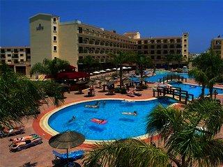 Tsokkos Gardens Hotel & Hotel Apartments