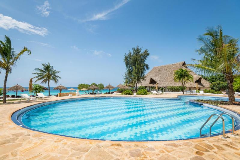 Hotel SANDIES BAOBAB BEACH ZNZ 4*, FAM 1/2+2, AI,  Zanzibar -  čarter iz Ljubljane