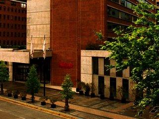 Hotel Pullman Santiago El Bosque