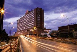 Weare Chamartin Hotel
