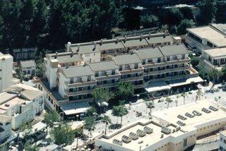 Flor Los Almendros Apartments