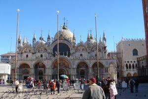 Benetke v soju prazničnih luči