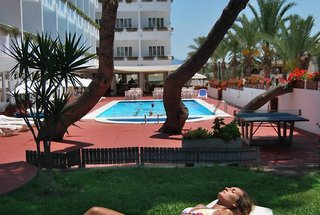 BQ Sarah Hotel