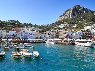 Capri, otok sonca in skrivnostnih jam