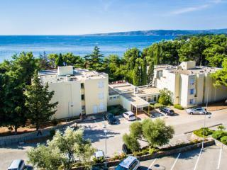 Dražica Hotel Resort - Dependance Villa Lovorka