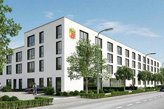 Super 8 by Wyndham Munich City North
