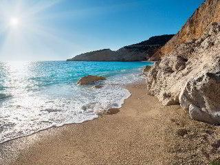 Raziskujemo na Lefkasu - Dih jemajoče rajske plaže s kristalno čistim morjem