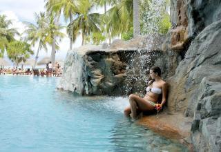 RAJSKE POČITNICE NA MALDIVIH - SUN RESORT & SPA 4* - BEACH VILLA - 10DNI