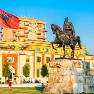 Veliki albanski krog in počitnice