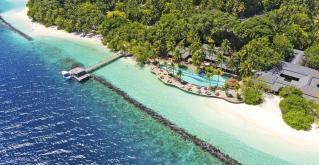 RAJSKE POČITNICE NA MALDIVIH - ROYAL ISLAND RESORT & SPA 5* - BEACH VILLA -10DNI