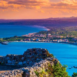 Taormina in počitnice v Letojanniju