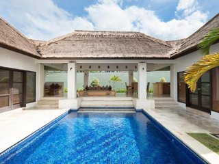 Bvilla + Pool