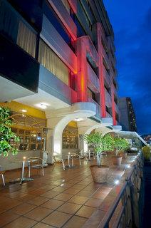 Reina Isabel Hotel & Suites
