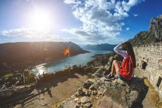 Od sonca zlata Črna gora: od morja v hribe in nazaj