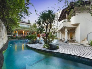 Villa Kresna Boutique Villas & Suites