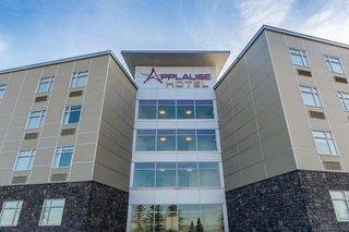 Applause Hotel Calgary Airport