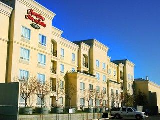 Hampton Inn & Suites Calgary - University Northwest