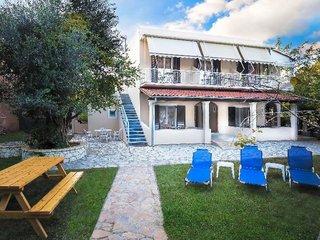 Marilena House Apartments & Studios