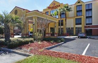 Ramada Suites Orlando Aiport